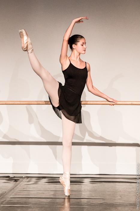 Emma Boudou à la démonstration technique de l'école Ballet Divertimento, décembre 2016.